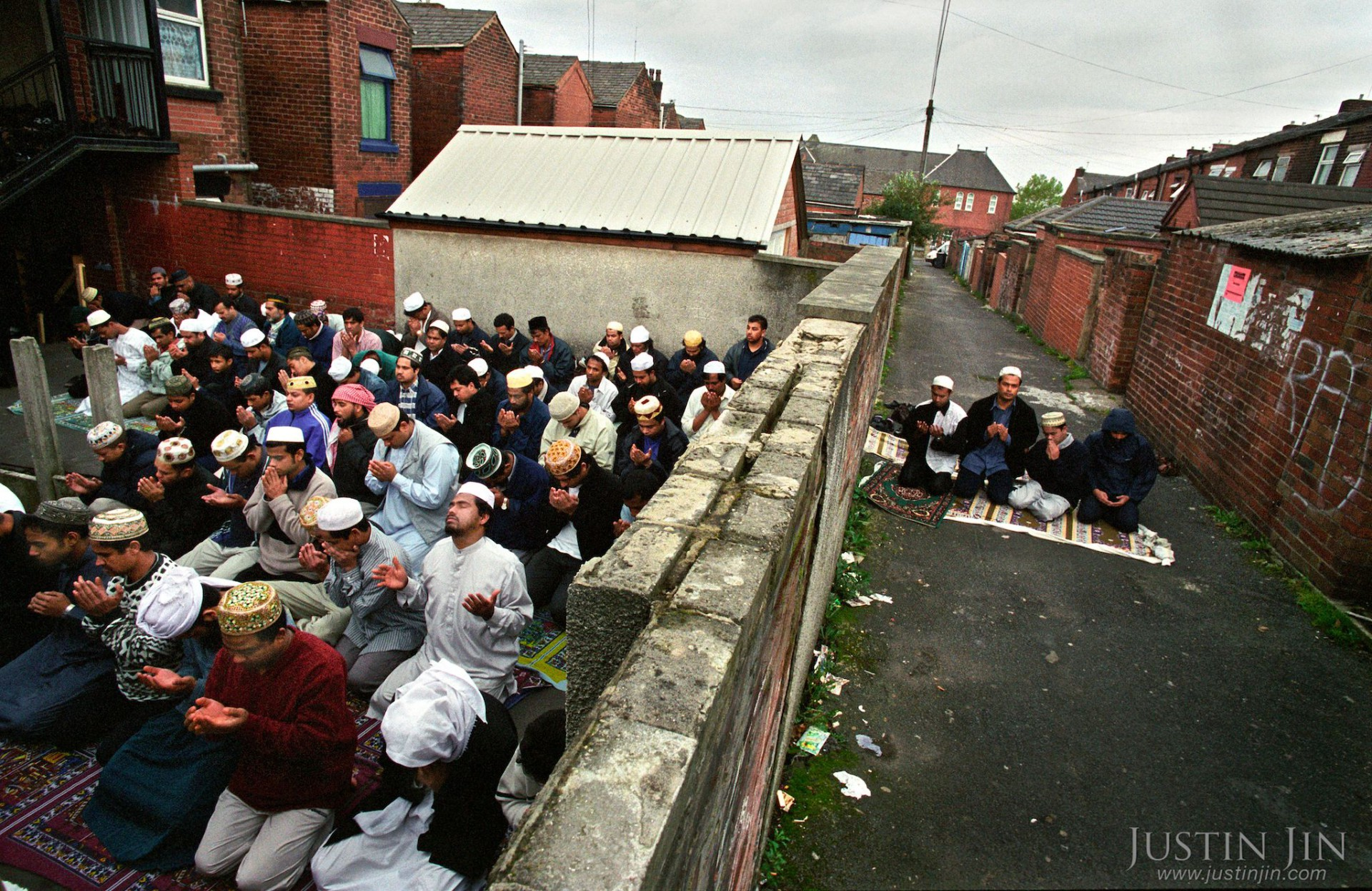 oldhams muslim Invaders muslim migrants  they are muslim immigrants from africa,  so just under a 1/3 of oldhams' sitting councillors are muslim,.